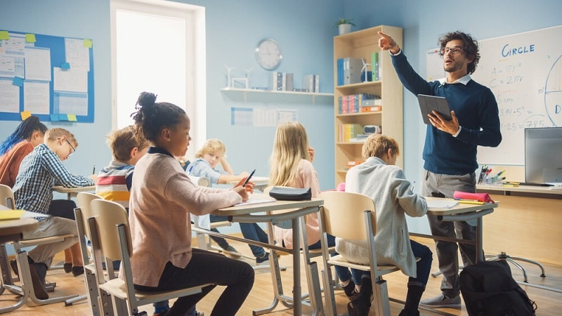 مشکلات بین معلم و دانش آموزان